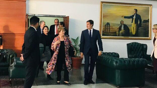 Bachelet dijo que espera escuchar todas las voces y trabajar con todas los actores para promover y proteger los derechos humanos de todos los venezolanos.(mbachelet)