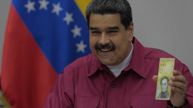 El Banco Central ha presentado por orden de Maduro el billete de 100.000 bolívares, el de mayor denominación emitido hasta ahora. (EFE)