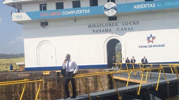 Barack Obama aprovechó la participación en la Cumbre de las Américas para visitar el Canal de Panamá. (@CumbrePanamaEN)