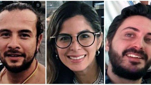 Mauren Barriga y Leonardo Muñoz, y el español Gonzalo Domínguez, detenidos en Caracas. (EFE)