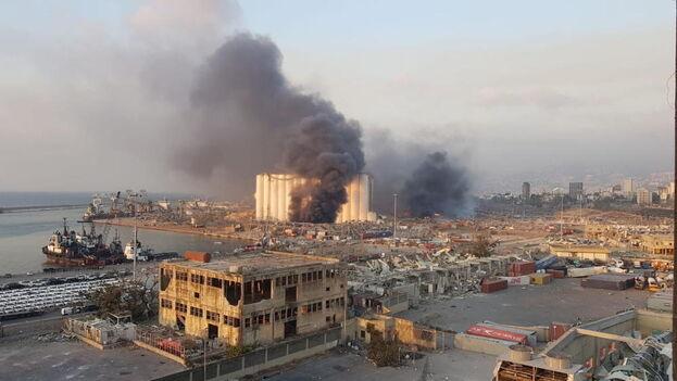 El puerto de Beirut quedó completamente destruido tras la explosión. (EFE)