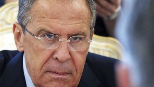 """""""Vemos dicho paso, adoptado a iniciativa de Berlín, como inamistoso e infundado"""", informó el Ministerio de Exteriores ruso, encabezado por Serguéi Lavrov, en un comunicado."""