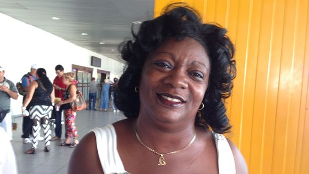 Berta Soler en el aeropuerto de La Habana. (Archivo/14ymedio)