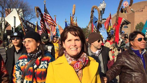 Betty McCollum en una manifestación contra el racismo el pasado noviembre. (Facebook)