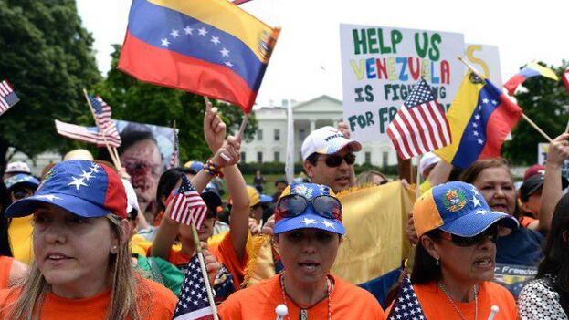 Biden ha decidido otorgar el TPS a los venezolanos al considerar que no pueden volver de manera segura a su país. (EFE)