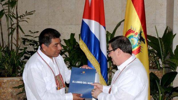 El canciller de Bolivia, Fernando Huanacuni Mamani, en su visita oficial a Cuba. (@EmbaCubaChequia)
