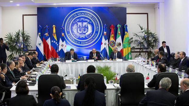 Las conversaciones cuentan con la participación de representantes de los países acompañantes del proceso: Chile, México, Bolivia, Nicaragua, San Vicente y Granadinas. (EFE)