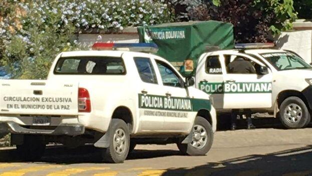 La embajada mexicana en Bolivia ha publicado numerosas fotos en Twitter con las que denuncia lo que considera un asedio de su sede diplomática. (@EmbaMexBol)