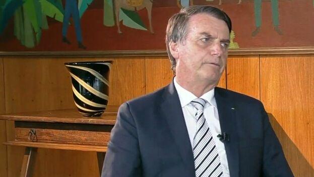 Bolsonaro este jueves durante su primera entrevista en televisión como presidente. (SBT)