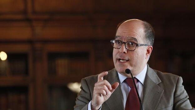 El opositor venezolano Julio Borges, nombrado comisionado para las Relaciones Exteriores por Juan Guaidó. (EFE/Mauricio Dueñas Castañeda/Archivo)