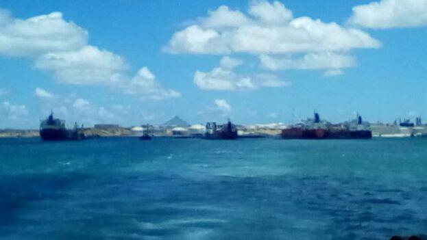 Según Borges, estos son los 4 barcos que partieron del muelle de Amuay cargados de gasoil a Cuba. (Twitter)