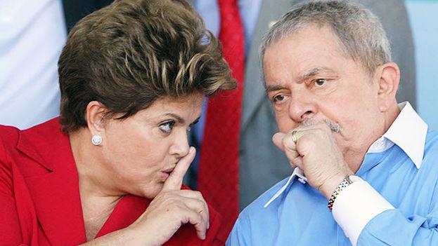 """La presidenta de Brasil Dilma Rousseff junto al ex-presidente Luiz Ignacio """"Lula"""" da Silva. (Notihoy)"""