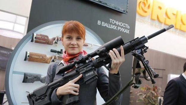 Butina llegó hasta la Asociación Nacional del Rifle (NRA), ante la que se presentó como una activista rusa en defensa del derecho a portar estos artilugios.
