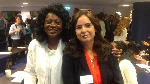La directora del centro CASLA, Tamara Sujú, con Berta Soler. (Facebook)