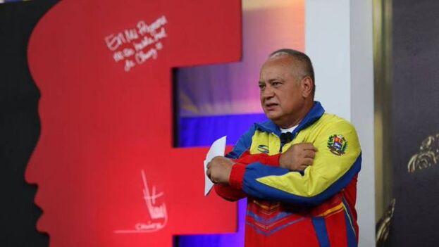 Cabello respaldó la medida de gracia que otorgó el pasado lunes Nicolás Maduro a 110 diputados, dirigentes y actores sociales opositores. (ConElMazoDando)