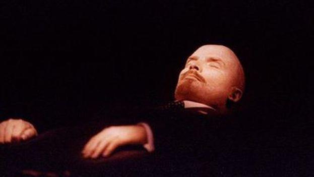 Cadáver de Lenin expuesto