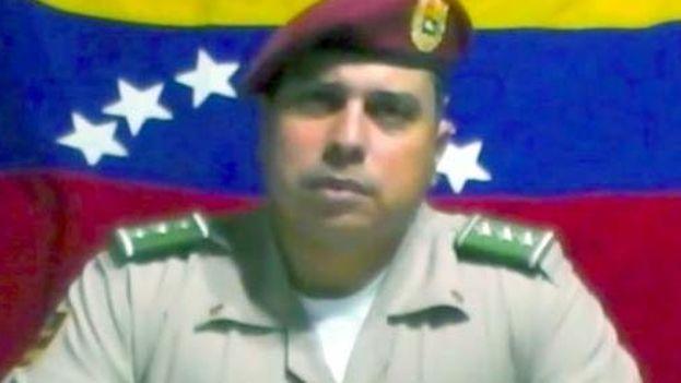 Juan Carlos Caguaripano Scott, miembro de la Guardia Nacional Bolivariana, lideró hoy una sublevación contra el Gobierno de Nicolás Maduro. (Fotograma)