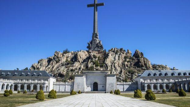 En el Valle de los Caídos está también enterrado, en lugar relevante, José Antonio Primo de Rivera, líder de Falange, un movimiento de corte fascista de los años 30. (EFE)
