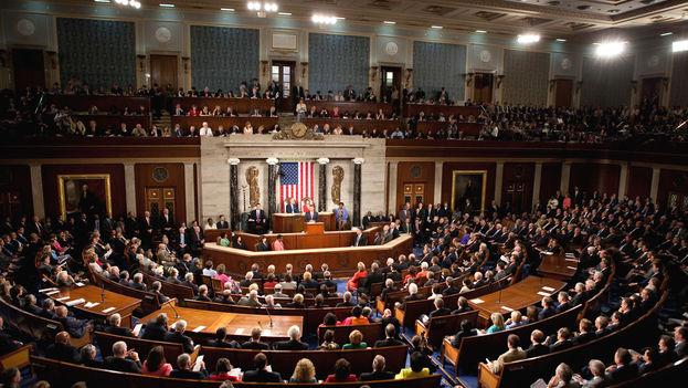 Obama se dirige a los congresistas en una sesión de la Cámara de Representantes de EE UU. (CC)