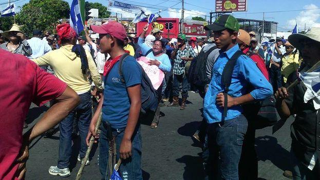 Campesinos llegan a Managua para participar a una manifestación contra la construcción del canal interoceánico