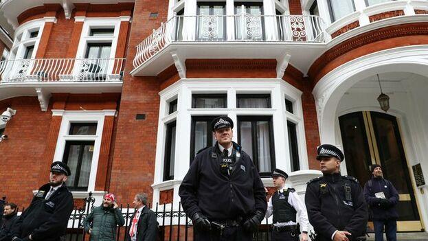La Cancillería puntualizó que las pertenencias del fundador de WikiLeaks de las que se incaute la Fiscalía con fines de investigación serán remitidas a Ecuador.