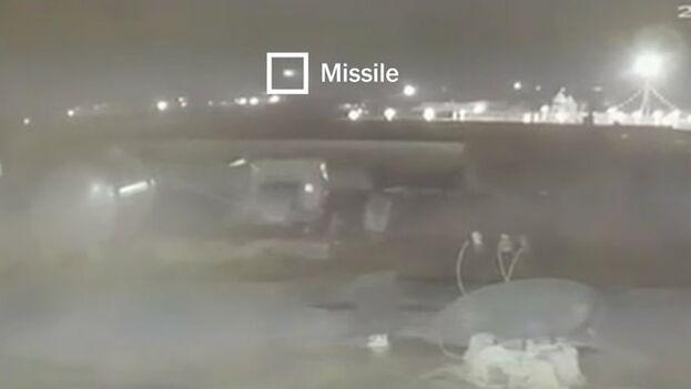 Captura del vídeo verificado por 'The New York Times' que avanzaba el número de misiles impactados contra el avión.