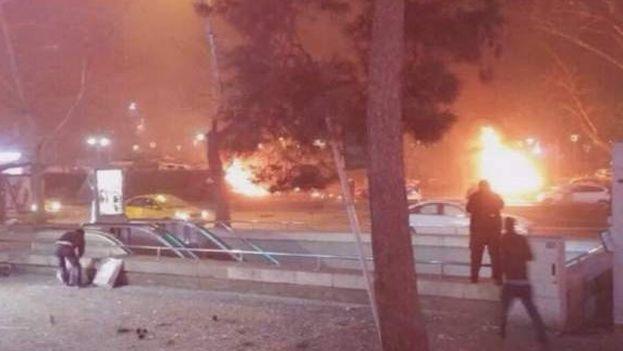 Captura de vídeo con imágenes de la explosión este domingo en Ankara
