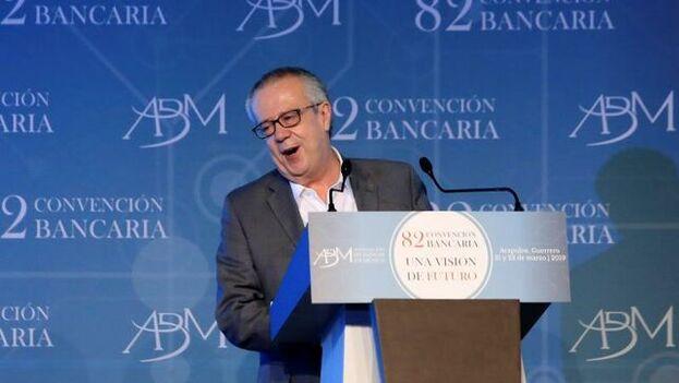 """Carlos Arzúa considera que """"toda política económica debe realizarse cuidando los diversos efectos que esta pueda tener y libre de todo extremismo"""". (EFE)"""