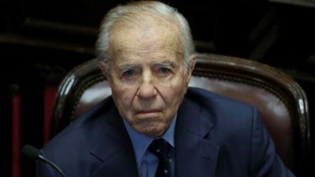 Carlos Menem había sido trasladado a ese centro hospitalario en un principio para ser sometido a un control médico. (EFE)