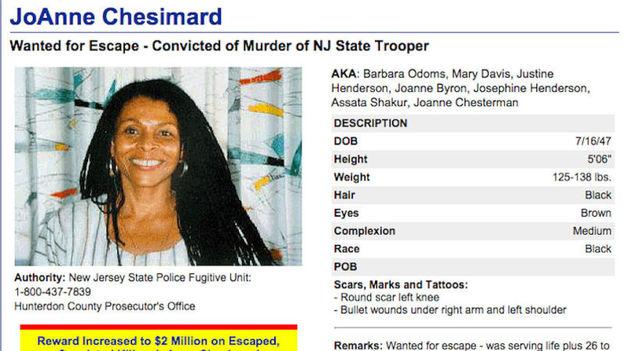 Cartel de búsqueda de Joanne Chesimard, llamada ahora Assata Shakur
