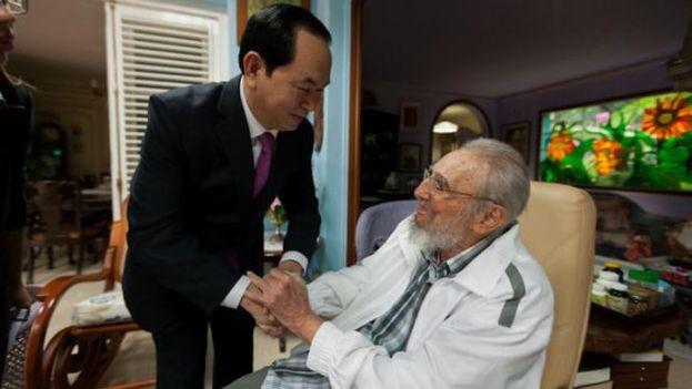 Las últimas imágenes de Fidel Castro son del pasado 15 de noviembre, cuando recibió en su residencia al presidente de Vietnam, Tran Dai Quang. (EFE)