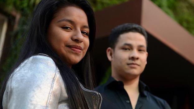 """Catalina y Manuel (nombres ficticios de dos jóvenes de 19 años), protagonistas del documental """"Alto el fuego"""" (EFE)"""