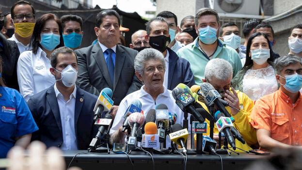 El Centro de Comunicación Nacional de la presidencia encargada de Venezuela informó de la decisión unánime de los partidos. (EFE)