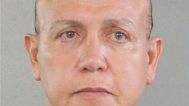 Las autoridades han detenido este viernes Cesar Sayoc Jr., de 56 años y residente en Florida, como presunto autor del envío de paquetes bomba. (Captura)