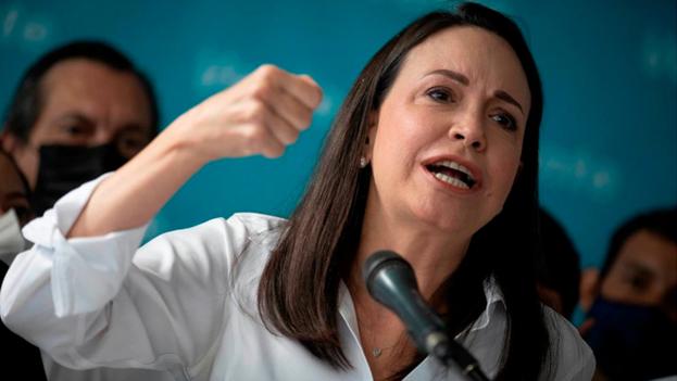La opositora venezolana, María Corina Machado, habla durante una rueda de prensa este viernes en Caracas (Venezuela). (EFE/RAYNER PEÑA R.)