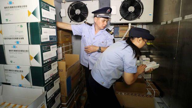 Se estima que Changsheng Biotech falseó los datos en 113.000 vacunas liofilizadas contra la rabia en humanos. (EFE)