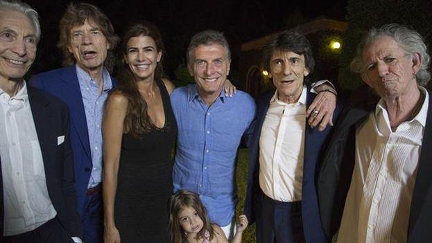 Charlie Watts, Mick Jagger, Ronnie Wood y Keith Richards, compartieron con el Presidente y su familia en la quinta Los Abrojos. (Instagram)