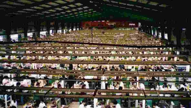 China se ha convertido en la fábrica del mundo, con sus millones de trabajadores mal pagados y sin apenas derechos laborales.
