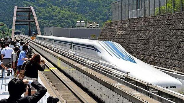 China tiene la red ferroviaria más larga del mundo, con 22.000 kilómetros a finales de 2016. (EFE)