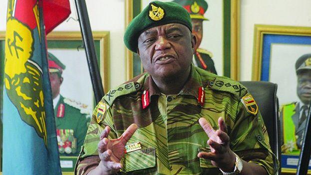 La entrada de Chiwenga en el cargo es criticada por quienes lo ven como una militarización del Gobierno de Emmerson Mnangagwa. (@bizzTorch)