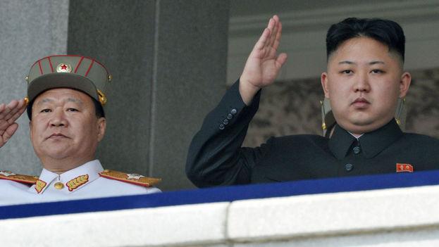 Choe Ryong-hae acompaña al líder norcoreano Kim Jong-un