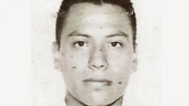 Christian Alfonso Rodríguez Telumbre tenía 21 años la noche que desapareció en Iguala junto a 42 compañeros. (FGR)
