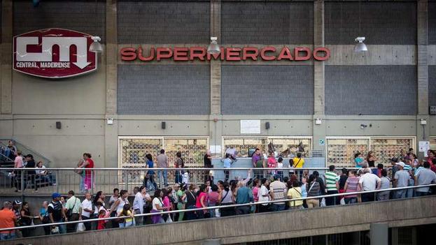 Colas en Venezuela. (EFE)