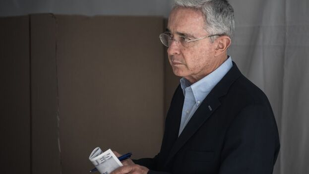El expresidente de Colombia, Álvaro Uribe Vélez. (EFE/Juan Zarama Perini/Archivo)