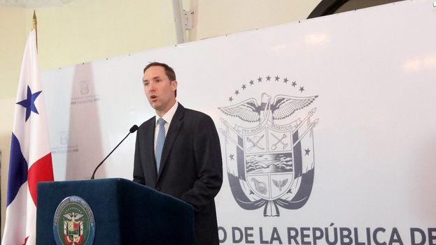 El ministro de Comercio e Industria, Augusto Arosemena, anunció que el Gobierno hará pública la lista comlpeta este viernes. (@A_AROSEMENA_M)