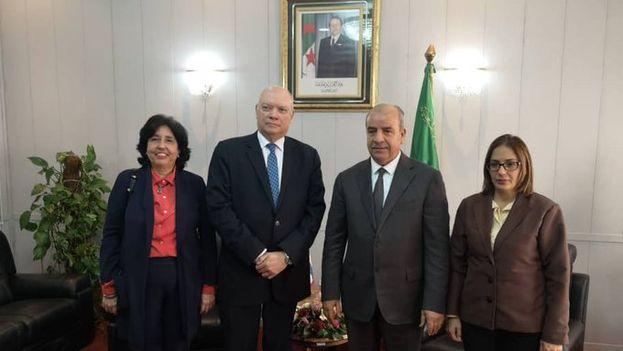 El ministro de Comercio e Inversión Extranjera tras su reunión con el titular de recursos hidraulicos de Argelia, Hocine Necib. (R_Malmierca)