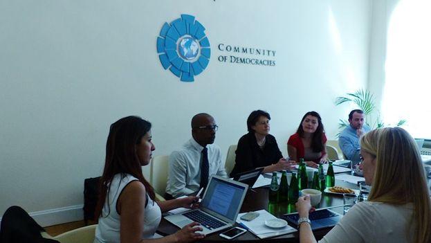 La reunión bianual de la Comunidad de Democracias se ha confirmado tan tarde que muchas organizaciones no participarán en ella. (Community od Democracies)
