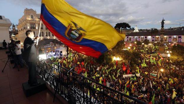 Concentración ciudadana a favor de Correa este jueves. (@Presidencia_Ec)