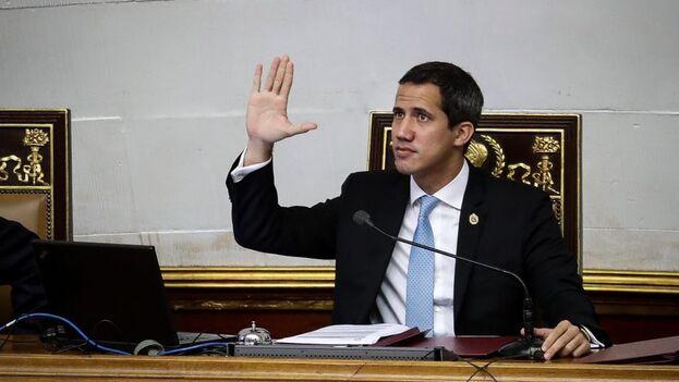 La Constitución dicta que el poder Legislativo que preside Guaidó debe terminar antes del 5 de enero. (EFE)