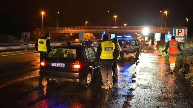 Controles policiales en la frontera franco-belga. (@Place_Beauvau)
